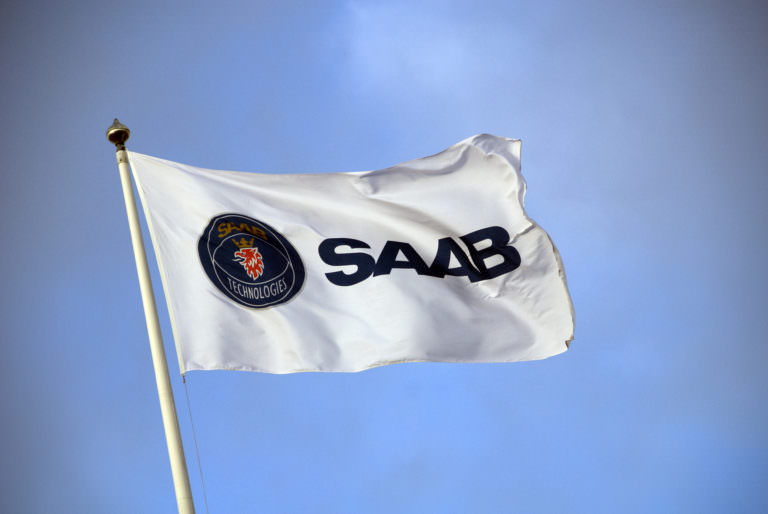 Saab flag solvent cleaning